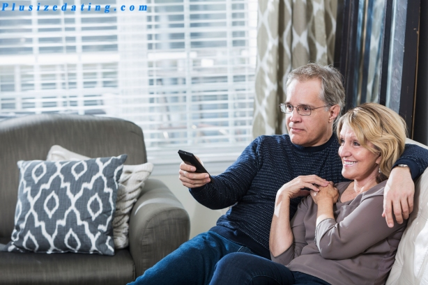 13-20-things-happy-couples-do-watch-tv.jpg